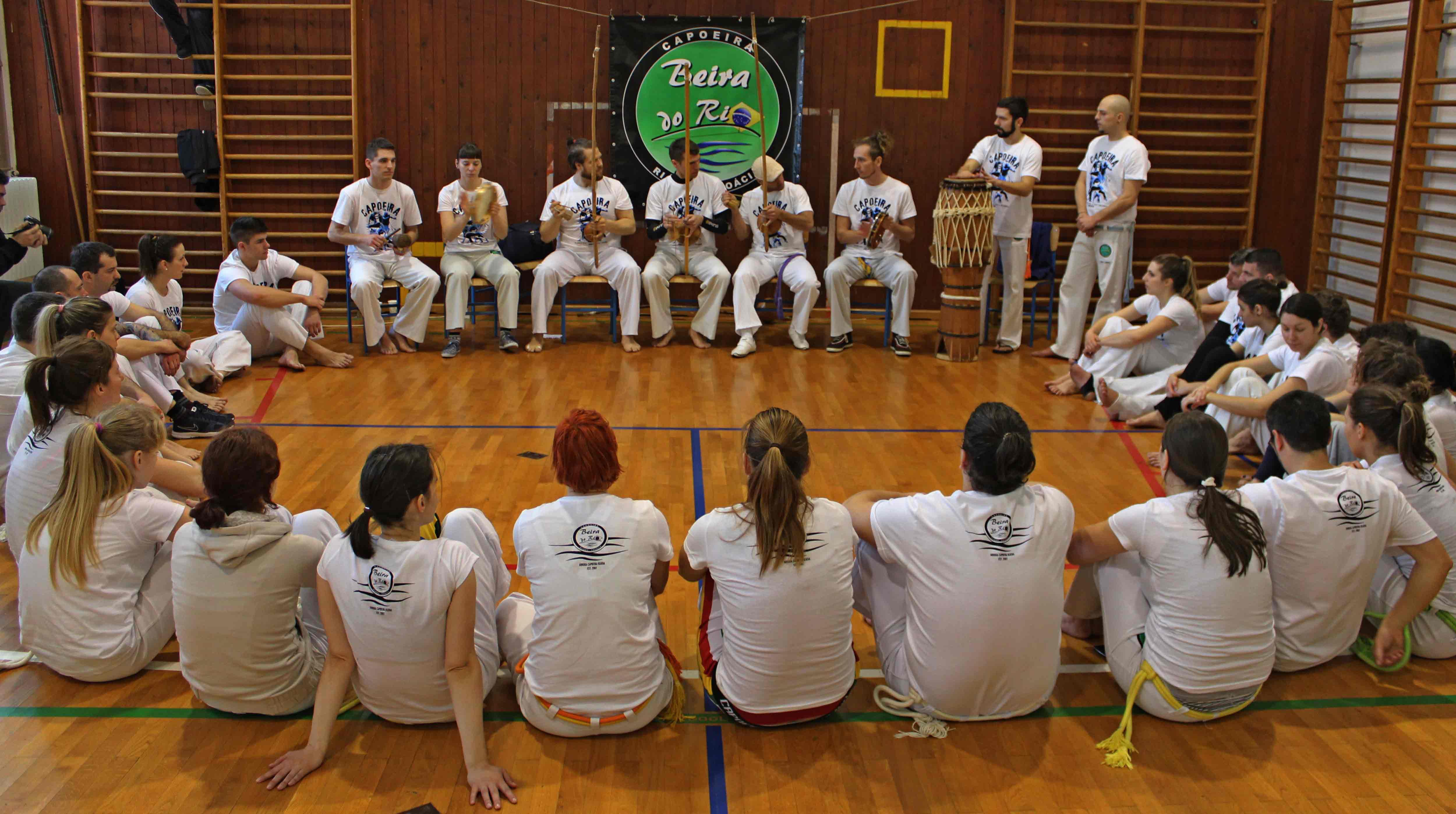 Batizado, Grupa Beira do Rio sjedi u krugu, Capoeira Rijeka