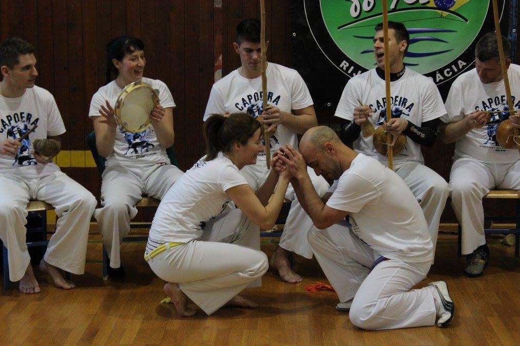 Roda de Capoeira, Troca de Cordas,